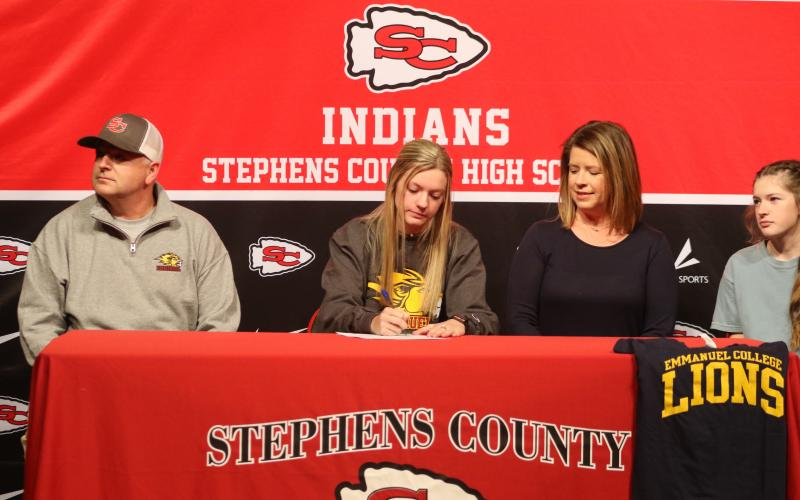 Zemily Shirly signing