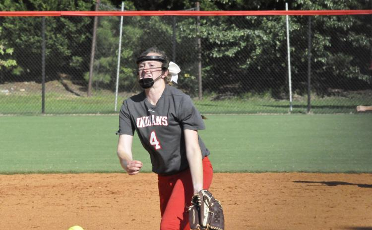 Allie Huff pitches
